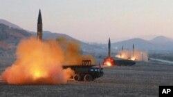 Uji coba misil Korea Utara awal bulan lalu (foto: ilustrasi).