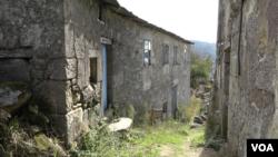 Lagarza, el lugar que vio partir a Balbina hace más de seis décadas, es el punto de encuentro de dos generaciones.