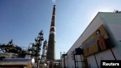 Venezuela ha sido acusada por el Tesoro de EE.UU. en distintas ocasiones de ayudar con sus refinerías a Irán y su objetivo de desarrollar un programa nuclear.