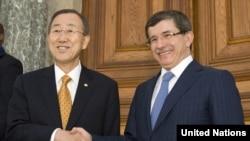 BM Genel Sekreteri Ban Ki Moon ve Dışişleri Bakanı Ahmet Davutoğlu (Arşiv)