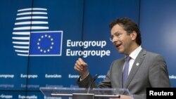 Chủ tịch ủy ban các bộ trưởng tài chính khối euro Jeroen Dijsselbloem, nói đề nghị của Thủ tướng Hy Lạp Alexix Tsipras bao quát và đầy đủ và có thể đưa đến một thỏa thuận vào cuối tuần này