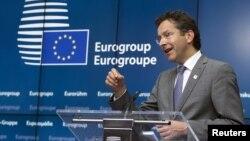Người đứng đầu khối Euro Jeroen Dijsselbloem phát biểu tại 1 cuộc họp báo sau phiên họp khẩn về Hy Lạp tại Brussels, Bỉ, 22/6/2015.