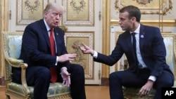 Tổng thống Trump và nguyên thủ Pháp trong cuộc gặp hôm 10/11.