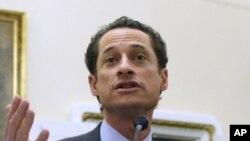 纽约民主党众议员安东尼·韦纳(资料照片)