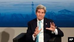 Menteri Luar Negeri AS John Kerry di Jerman, Minggu, 8 Februari 2015.