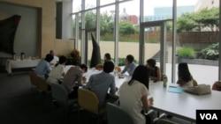 지난해 7월 한국에서 방문한 탈북 대학생들이 미국 워싱턴의 남북나눔운동(KASM)이 주최한 연수 프로그램에 참여했다. (자료사진)