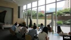 지난 2013년 한국에서 방문한 탈북 대학생들이 워싱턴의 한미나눔운동(KASM)이 주최한 연수 프로그램에서 강의를 듣는 모습( 자료사진)