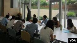 한국에서 방문한 탈북 대학생들이 지난 2주 반 동안 미국 워싱턴의 남북나눔운동(KASM)이 주최한 연수 프로그램에 참여했다.