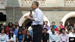 인도 뭄바이에서 대학생들과 토론회를 진행중인 오바마 대통령