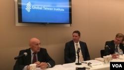 全球台灣研究所專家討論美國新總統與戰略模糊政策 (美國之音鍾辰芳拍攝)