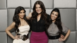"Stars of the reality show ""Keeping Up with the Kardashians"", Khloe Kardashian, center, Kim Kardashian, left, and Kourtney Kardashian pose for a portrait in Los Angeles, March 26, 2009."