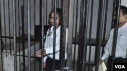 Marisol Valles Garcia ki tap enspekte selil yon prizon lè l te chèf polis Praxedis G. Guerrero, tou prè Ciudad Juarez, Mexico, (foto achiv 20 oktòb 2011)