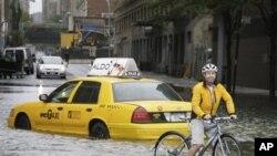허리케인 아이린으로 침수된 뉴욕의 거리