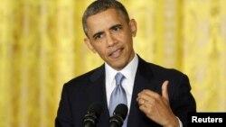 El presidente negó haber ordenado que el Servicio de Impuestos investigara especialmente a grupos republicanos.