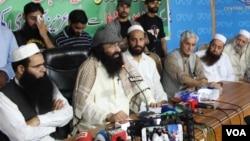 حزب المجاہدین کے سربراہ سید صلاح الدین مظفرآباد میں ایک پریس کانفرنس کر رہے ہیں۔ فائل فوٹو