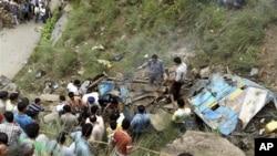 버스 전복 사고가 일어난 인도 히마찰 프라데시주 참바 지구 현장