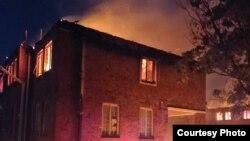 Fire destroys staff quarters at Mpilo Hospital. (Photo Credit: Professor Solwayo Ngwenya)