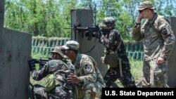 U.S.-Philippines counterterrorism training at Fort Magsaysay near Manila, 2017.