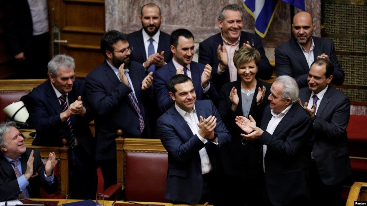 Tsipras fiton në votën e mosbesimit në parlamentin grek