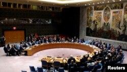 지난 8일 뉴욕 유엔본부에서 열린 안전보장이사회 회의에서 이사국 대표들이 시리아 알레포 사태와 관련해 표결하고 있다. (자료사진)