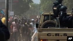 Manifestation à Ouagadougou, mardi 28 octobre 2014