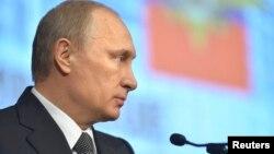 2015年3月4日俄罗斯总统普京和内政部官员举行会议发表讲话