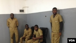 Activistas angolanos Jose Gomes, Hata Hitler Jessy, Chivonde Nelson Dibango e Domingos da Cruz