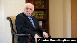 Базований у США турецький духівник та інтелектуаліст Фетхуллах Гюлен