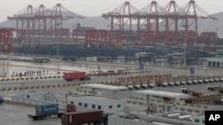 图为中国大陆一个港口