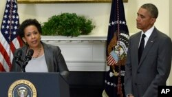 """Tổng thống Obama nói ông không thể nghĩ đến một """"công chức nào thích hợp"""" với chức vụ Bộ trưởng Tư pháp hơn là bà Lynch."""