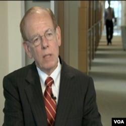 Jed Smith vodi istraživanje tržišta u Nacionalnom udruženju prodavača kuća u Washingtonu