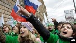 2006년 모스크바 주재 미국 대사관의 반미 시위대. (자료사진)