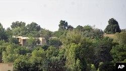 """Hoton gidan da ake kira """"Villa du Conseil de l'Entente"""" wanda ake zargin a can aka sauke jami'an tsohuwar gwamnatin kasar Libiya a Niamey babban birnin kasar jamahuriyar Nijer ."""