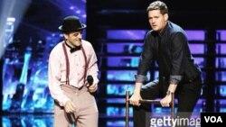 Üzeyir Novruzov America's Got Talent şousunda - Foto Uzeyer Novruzovun facebook səhifəsindən götürülüb