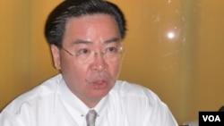 民进党政策会执行长吴钊燮(美国之音张蓉湘)