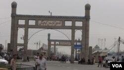 在庫車一個市集附近拍攝到有伊斯蘭特色的街景