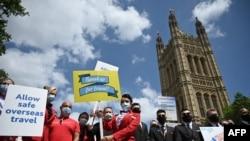 Фото: 23 червня представники туристичної індустрії та авіаперевезень провели акцію протесту в Лондоні