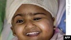 Cặp song sinh Bangladesh mổ tách thành công xuất viện