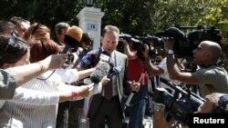 """Bộ Trưởng Tài Chính Yannis Stournaras nói """"không có lý do gì để lo âu."""""""