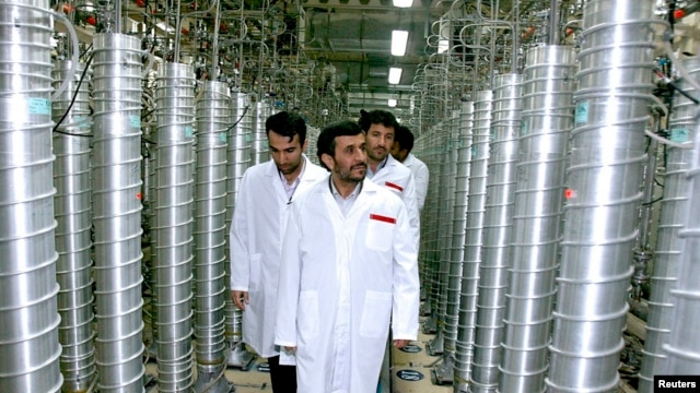Iranian President Mahmoud Ahmadinejad visits the Natanz nuclear enrichment facility, 350 km south of Tehran, April 8, 2008.