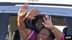 Jamie và Gladys Scott rời khỏi nhà tù của bang Mississippi, 7/1/2011
