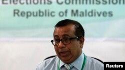18일 몰디브 선거관리위원장이 대선 재투표를 하루 앞두고 기자회견을 하고 있다.