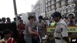بھارت میں دہشت گردی الرٹ: 4 مشتبہ افراد کی تلاش جاری