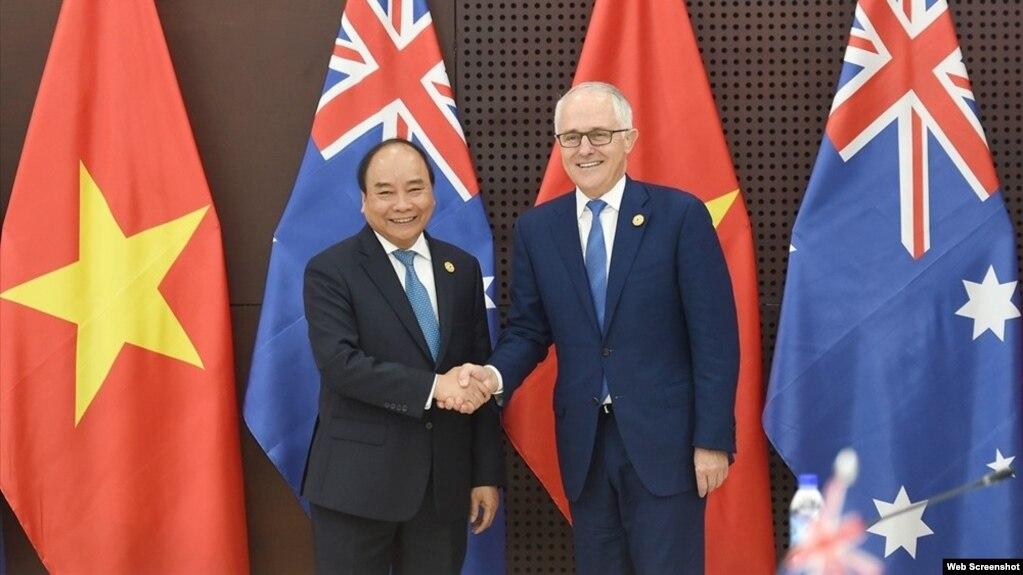 Thủ tướng Việt Nam Nguyễn Xuân Phúc và Thủ tướng Úc Malcolm Turnbull tại Đà Nẵng, tháng 11/2017.