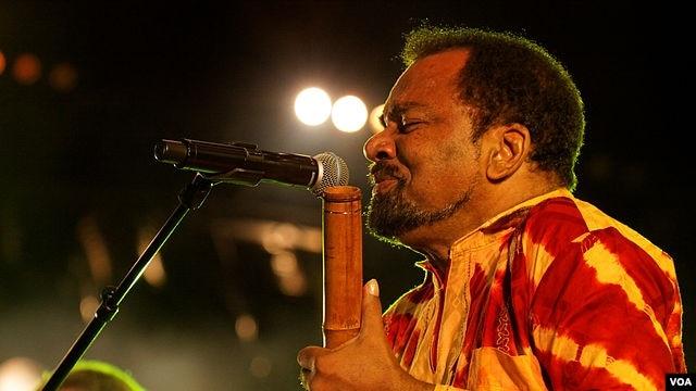 Cantor angolano Bonga