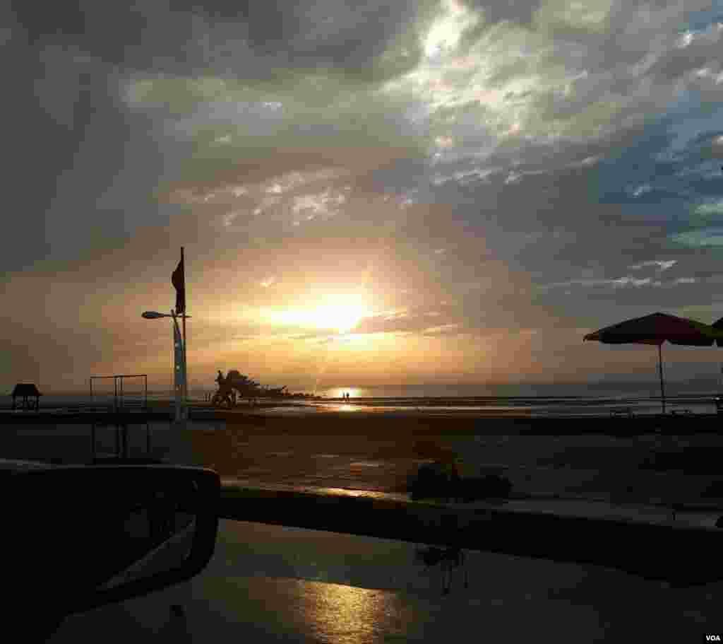 ساحل بوشهر عکس: (ارسالی شما)