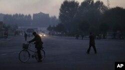 傍晚的平壤街头 (资料照)