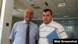 Həsən Hüseynli və vəkil Elçin Sadıqov (Foto Elçin Sadıqovun Facebook səhifəsindən götürülüb)