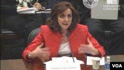 El exjuez sostiene que posee evidencias sobre la participación de miembros del gobierno venezolano en narcotráfico y otras actividades delictivas.