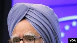 PM India Manmohan Singh harus membela diri terkait korupsi seorang bekas menterinya.